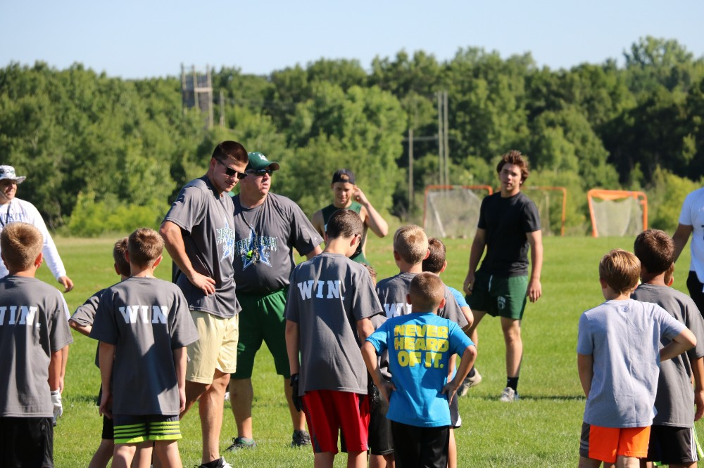 NFL player Jeff Heath hosts football camp in Lake Orion